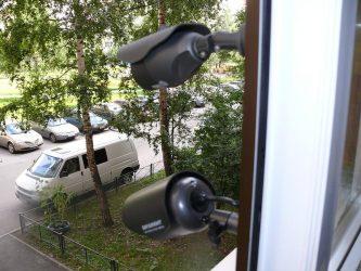 Видеонаблюдение за машиной во дворе